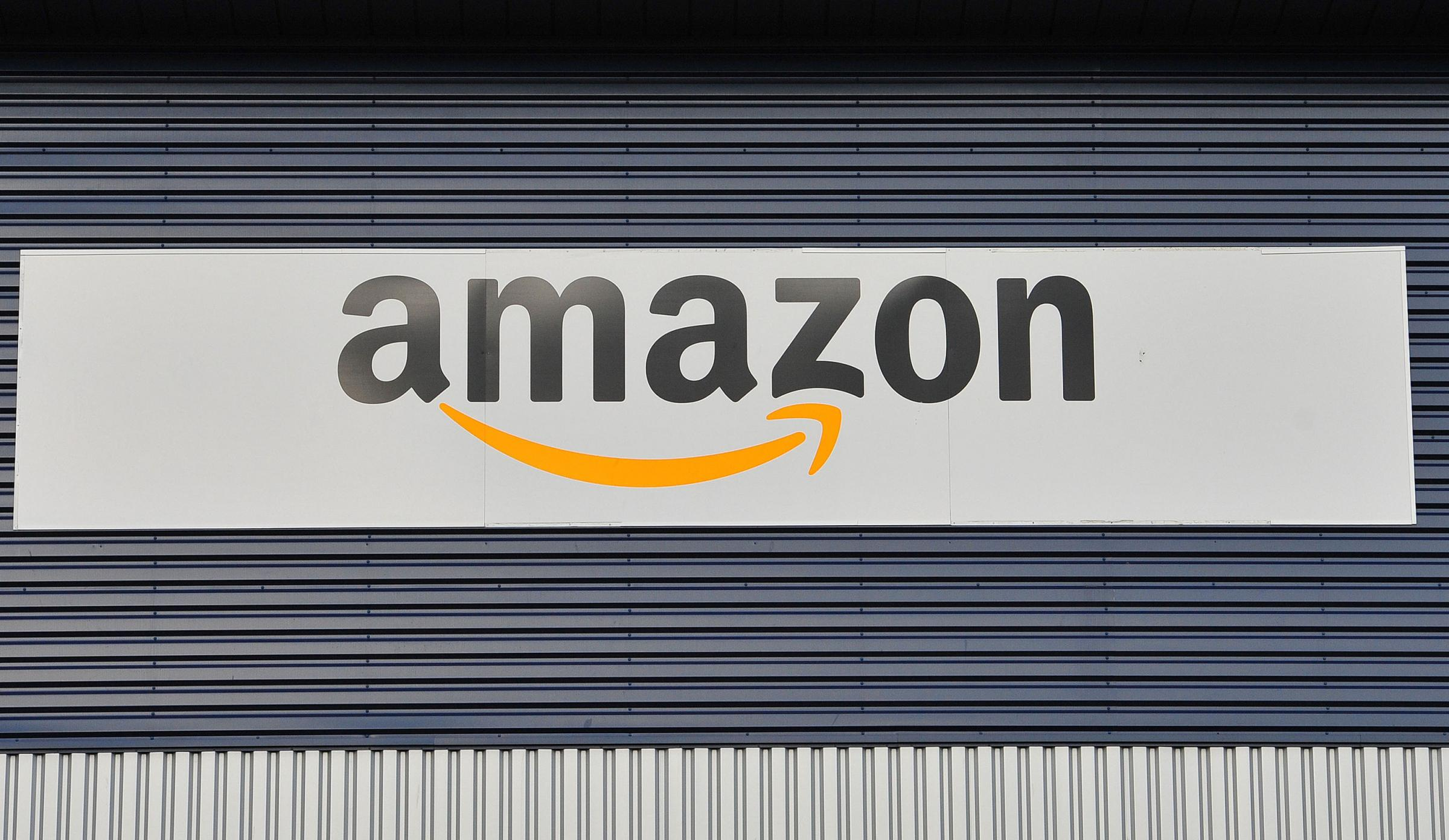 Amazon has been criticised for its pay and conditions for staff at its Dunfermline and Gourock warehouses