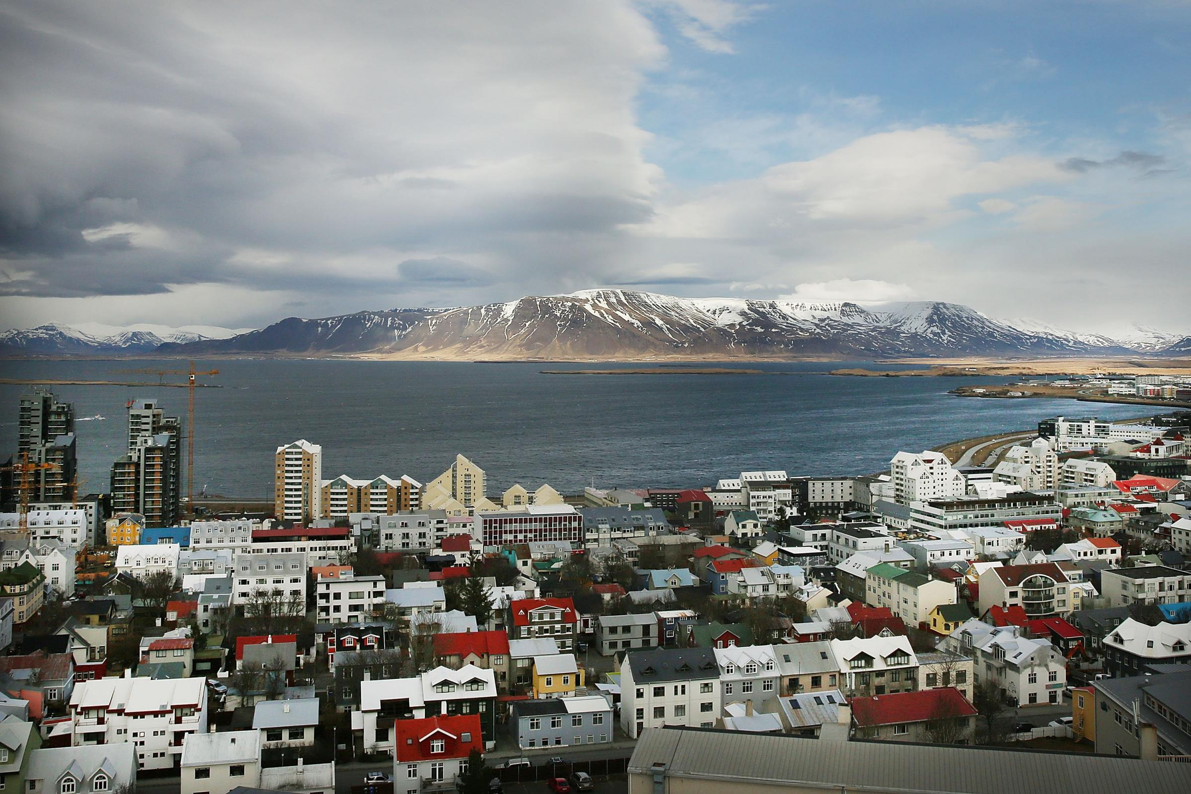 A growing independence movement emphasised Iceland's different culture and social mores of harmony and cooperation